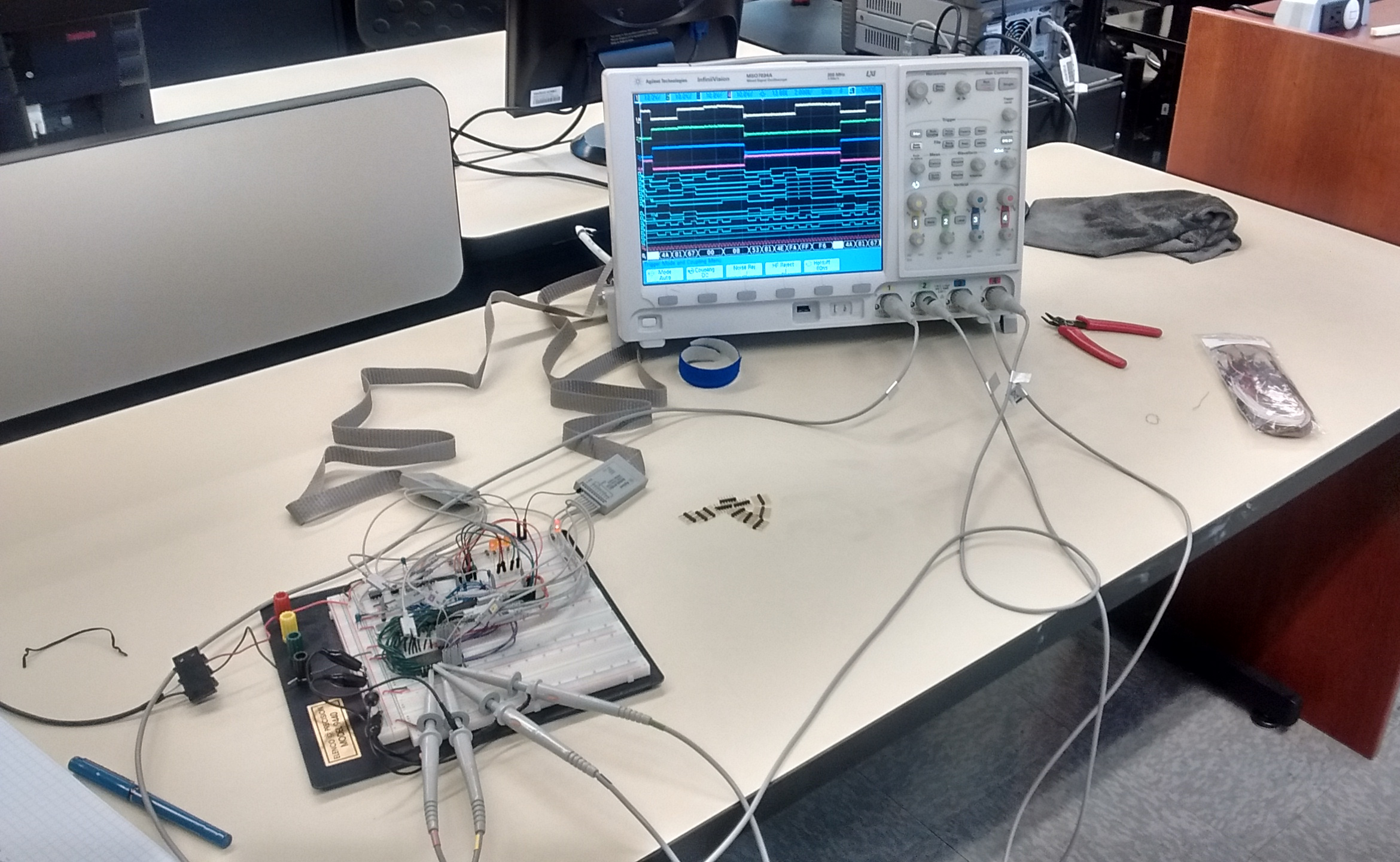 using the logic analyzer